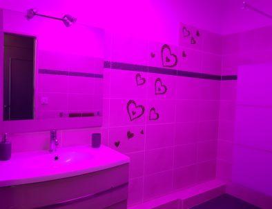 douche de pluie avec lumière chromatique